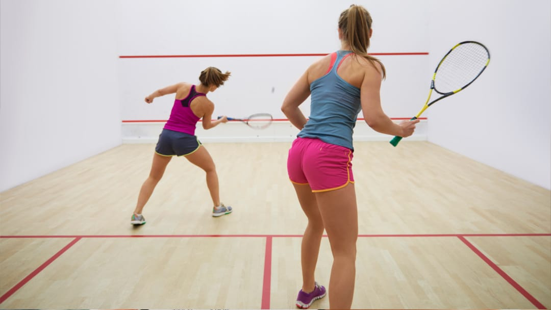 Rosters Sports Club Bar & Grill - Vernon BC - Racquetball Squash Courts - Interactive Banner - Book A Court